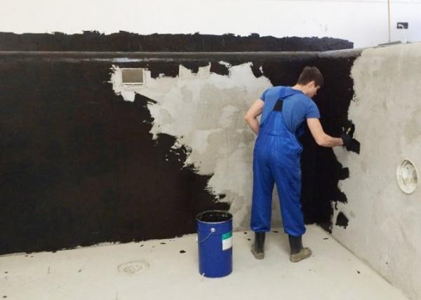 Какой бывает жидкая гидроизоляция щелей бетона?