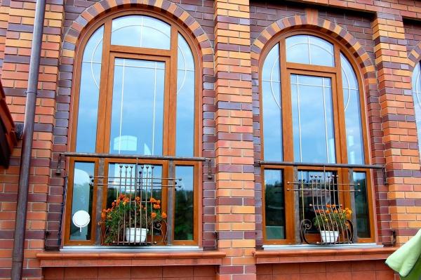 Декоративное окно придаст особую эффектность дизайну помещения