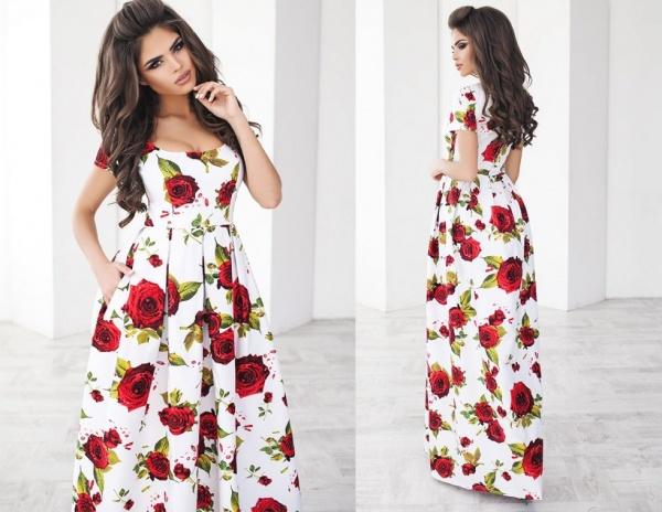 В гардеробе женщины платье от российских дизайнеров не помешает