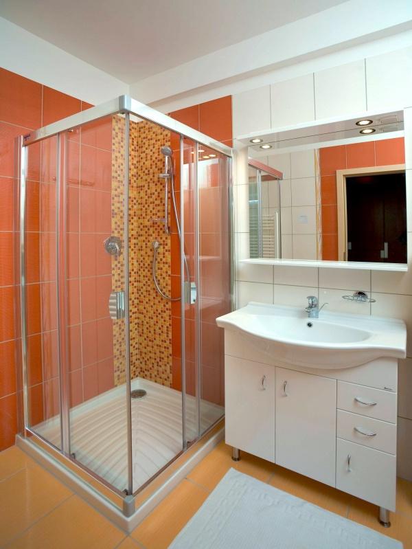 Что выбрать: ванну, душевую кабину или и то и другое?