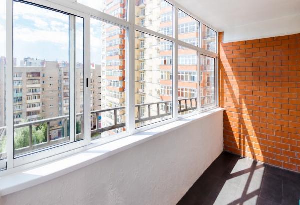 Основные направления в остеклении балконов и лоджий